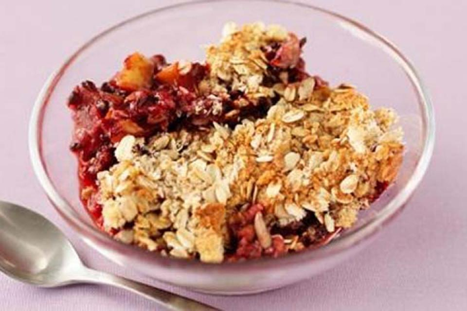 Crunchy Fruit and Oat Crumble